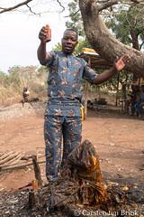 An offering at the shrine (10b travelling / Carsten ten Brink) Tags: 10btravelling 2017 africa african afrika afrique benin beninois bénin carstentenbrink dahomey dankoli dassa dassazoumé glazoue gulfofguinea iptcbasic places republicofbenin républiquedubénin savalou westafrica ceremony fetish fetishes offering shrine tenbrink vodou vodoun voodoo