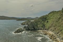 Rocas (ninestad) Tags: rocas mar follaje cielos nubes espuma olas sal verdes paisaje marina galicia costa lugo españa