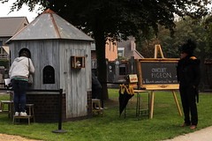 Pigeon on Piano (regionaal landschap Schelde-Durme) Tags: waasmunster begraafplaats openmonumentendag