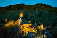 Burgruine Manderscheid (clemensgilles) Tags: illuminated rheinlandpfalz vulkaneifel château castle castillo burg burgruine blauestunde deutschland eifel germany