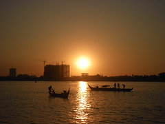 Sunset on the river Mekong, (NengHetty) Tags: mekongriver phnom penh cambodia sunset river boat