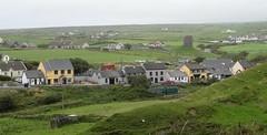 Le village de Doolin, côte atlantique (Comté du Clare, Irlande) (bobroy20) Tags: doolin village campagne panorama cliffofmoher moher clare irlande ireland eire europe europa