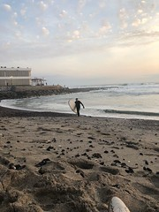 Playa Bellavista (Alejandro Cifuentes-Lucic) Tags: surf playabellavista marejada academiadesurfroddyalvarez iquique sparrow tarapacá