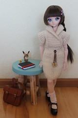 New handmade knit dress. She loves it.   ;) (Ninotpetrificat) Tags: mdd volks dollfie dollfiedream dd doll hobby cute kawaii knitting handmade punto dress ddh10 minidollfieream fashion muñeca puppe dollclothes japantoy asiantoys japandolls toys