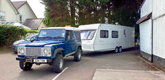 """S28TOW Taking Caravan To """"The Caravan Hospital"""" (JAMES2039) Tags: tow 4wheeler trailer cardiff rescue ask askrecovery recovery land rover landrover defender 90 s28tow caravan fleetwood heritage 600eb 2000 a48 welshstdonats"""