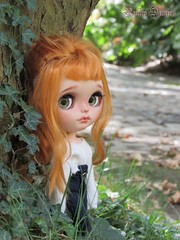 Reddish Girl ♥ (Little Queen Gaou) Tags: pullip doll groove artist art full custo blythe garden jardin parc paris nature fleurs flowers flowery fleuri meeting rencontre dolls passion photography photographie inspiration creation friends friendly amical amies amitié friendship trees arbres autumn automne