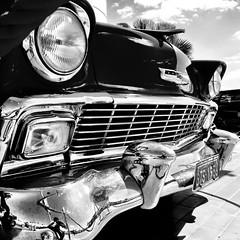 Belair 1956 (Rubens Portugal) Tags: carro automovel coche car veiculo vehicle voiture bw blackandwhite farol beam parachoque bumper chevrolet grade pb belair 1956 vintage monocromatico chevy cars classic autombilismo listras mono bnw noiretblanc auto classico street rua calle rue gm generalmotors fullsizecar hardtop v8 sedan musclecar popularmechanics grille 1950s 50s vintagecar
