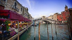 Meals by the Grand Canal (Riyazi) Tags: city water street canal building town boat river gondola bridge tourism architecture urban outdoors house waterway outdoor market flora travel bodyofwater jar plant sky pottedplant venice rialtobridge evening grandcanal