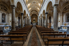 8Z1A6055 -1 (wernkro) Tags: kirche church bänke krokor sizilien gang säulen