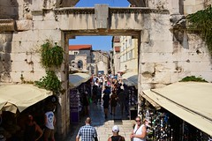 Silver gate (Split, Hrvatska 2018) (paularps) Tags: paularps beer ozujsko ozujskobeer hrvatska croatia kroatië flickr reizen travel europa europe 2018 culture nature sailing islandhopping unesco worldheritagesite adriatic adriaticcoast zeilen fietsen biking island islands