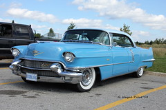 1956 Cadillac Series 62 (Gerald (Wayne) Prout) Tags: 1956cadillacseries62 1956 cadillac series 62 southporcupine cityoftimmins northeasternontario northernontario ontario canada prout geraldwayneprout canon canoneos60d canonlensef28135mmf3556isusm lens ef28135mmf3556isusm photographed photography automobile vehicle vintage antique historical old car generalmotors gm porcupine city timmins northeastern northern coffeeshop