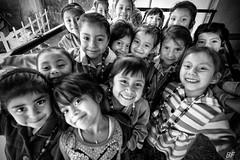 Cluster of smile ! (poupette1957) Tags: art atmosphère black canon city children detail grandangle guatemala humanisme humour imagesingulières interior jeune life lady monochrome noiretblanc noir photographie people portrait rue street town travel urban ville voyage