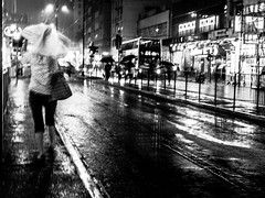 #rain #Heavy_rain (Henrybakery) Tags: wet rainynight umbrella nightscape iphonegraphy traffic road dark black white light urban cityscene motionblur cityscape nightphotography rain blackandwhite photography iphone7plus rainy night city people bw bnw