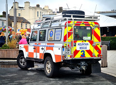 Wicklow Mountain Rescue 3 (Owen J Fitzpatrick) Tags: ojf people photography nikon fitzpatrick owen pretty pavement chasing d3100 ireland editorial use only ojfitzpatrick eire dublin republic city tamron joe j along photoshoot street 2018 emergency digital streetphoto streetphotography bray town air show mountain rescue wicklow 3 three high viz landrover 4wd livery registered charity great outdoors roundwood county co transportation vehicle transport tyre hancook parked unit strand logo highviz dslr service standby duty automobile road roof rack red yellow 11ww2434 spare roofrack