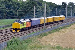 37521 (Martin's Online Photography) Tags: colas class37 37521 winwick networkrail derbyrtc nikon nikond7200