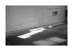 (Dennis Schnieber) Tags: 35mm kleinbild analog black white schwarzweis film chm400 adox fotoimpex rodinal 150 olympus 35rc compact camera heidelberg bahnstadt germany
