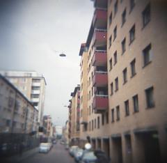 Andra Långgatan (rotabaga) Tags: sverige sweden göteborg gothenburg diana toycamera lomo lomography ljusläckage lightleaks lomography400 expiredfilm mediumformat mellanformat 6x6 120