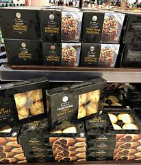 2018 Sydney: Christmas in September! (dominotic) Tags: 2018 food dessert pudding christmasinseptember christmaspuddingsandfruitmincepies seasonal shopdisplay yᑌᗰᗰy iphone8 sydney australia
