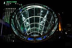 Projet 2018 - Septembre : graphique #1 (Frïsettes) Tags: sphère sphere circle rond lumière nuit night montréal graphique graphic géometrie geometry