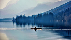 Even in the Quietest Moments... (Miradortigre) Tags: lake canada alberta rockies rocosas lanscape tranquilidad tranquility calm water канада 加拿大 קנדה カナダ kanada