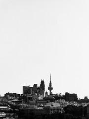 ... Skyline ... (Lanpernas .) Tags: visionesdemadrid madrid edificiotelefónica torrespaña rtve telecomunicaciones arquitectura skyline skycraper