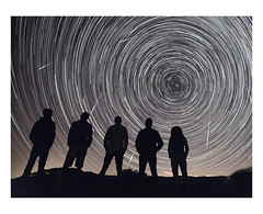 - Startrails+Falling Stars - (king_ricky) Tags: ngc nikond800 samyang 14mm night startrails fallingstars nightscape cielo stelle silhouette people nikond750
