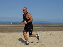 DSC08896 (corradookp) Tags: kustloop vrouwenpolder strand oostkapelle running beach run