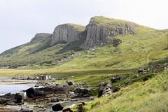 Isle of Skye: (Helgoland01) Tags: skye schottland scotland westernisles atlantik atlantic felsen rock