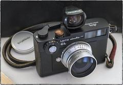 Wood Button (NoJuan) Tags: themoregooder cameraporn cameraportrait leitz leitzminoltacl minoltacl rangefinder 35mmrangefinder gordystrap gordy voigtlander snapshotskopar