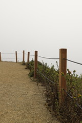 The fence at the end of the world (Sven Bonorden) Tags: fog nebel fence zaun pacificcoast sanfrancisco california kalifornien pazifikküste goldengatearea path weg edge