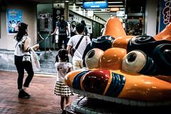 神戸三宮界隈 2018 #3ーSannomiya, Kobe city, neighborhood 2018 #3 (kurumaebi) Tags: kobe 神戸市 神戸 三宮 sannomiya 路地 street alley 街 fujifilm 富士フイルム xt20