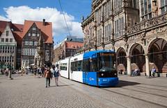 Blaukopf bleibt Blaukopf (trainspotter64) Tags: strasenbahn streetcar tram tramway tramvaj tramwaje bremen bsag marktplatz altstadt gt8n adtranz hansestadt rathaus