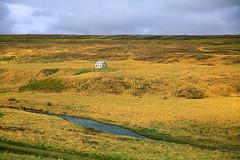 Islands Metropolen (ploh1) Tags: haus einsam island iceland insel europa himmel grün blau