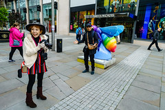 2018_005 (Zawnguy) Tags: streetphotography street streetscene manchester uk man male lady woman canon camera bee beeinthecity sonya7rm2 21mm