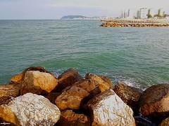 portoverde e gabicce (archgionni) Tags: water spiaggia beach sea adriatico sky vista view romagna onde waves scogli stones italia italy estate summer vacanze vacations