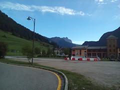 146 POZZA DI FASSA FERMATA BUS TRENTINO ALTO ADIGE (ERREGI 1958) Tags: trentino alto adige italia italy sud tirol paesaggio dolomiti alpi panorama fassa montagne mountains pozza