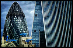 The Gherkin (Jean-Louis DUMAS) Tags: gratteciel iphone building london londres ville architecture architectural smartphone apple