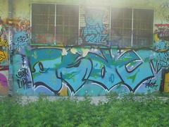 over the line (en-ri) Tags: nero azzurro torino wall muro graffiti writing osac