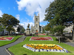 Sir John Square, Thurso, Caithness, Aug 2018 (allanmaciver) Tags: sir john garden thurso ciathness colours display flowers church statue peter andrew trees weather blue sky warm sunny details sinclair tollemache 1879 1893 macdonald history heritage society green allanmaciver