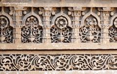 DSC09541 Sculpture at the Step-Well at Adalaj-Gujarat (vlupadya) Tags: sculpture stepwell adalaj ahmedabad gujarat pane