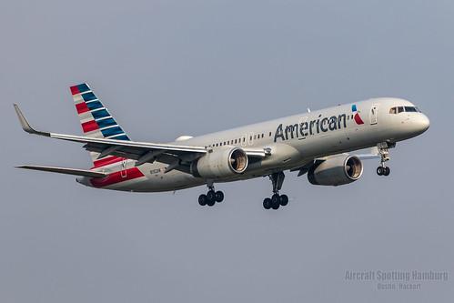 American Airlines Boeing 757-223 N192AN