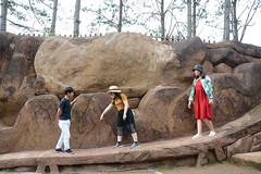_DSC6655 (Quyr) Tags: dalat vietnam green smoke frog cloud tree forest langbiang lamdong portrait thunglungvang duonghamdatset
