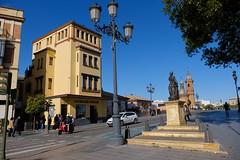 XE3F7750 - Sevilla, Plaza del Altozano (Enrique R G) Tags: sevilla plazadelaltozano españa spain calle streetfujifilmxe3 fujixe3 fujinon18135