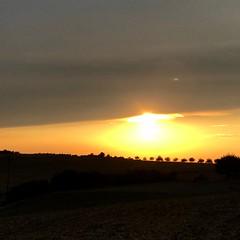 Sunset extreme (anubis131) Tags: lifeisbeautiful colorful nature natur farbenfroh red orange sun beautifulsunset sky himmel extreme sonnenuntergang sunset freudenbergerpiller iphone7plus altertheimsteinbach germany bärleinsparcours anubis1301 heikefreudenberger dje