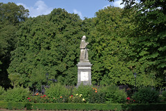 Statue of Isaac Watts in Watts Park (West Park), Southampton (John D McDonald) Tags: england britain greatbritain wessex geotagged westpark wattspark westmarlands watts isaacwatts statue centralparks southamptoncentralparks