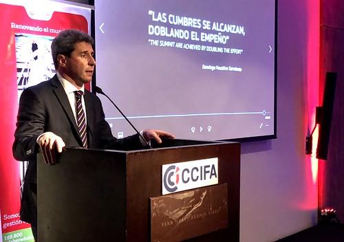 2018-08-29 PRENSA:Uñac expuso los beneficios de invertir en san juan ante empresarios franceses.