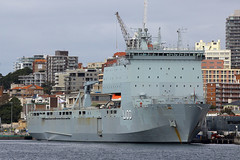 HMAS Choules, Potts Point, Sydney, September 12th 2014 (Southsea_Matt) Tags: hmaschoules l100 royalaustraliannavy pottspoint sydney newsouthwales australia spring 2014 september canon 60d sigma 1850mm boat ship water
