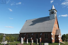 Église Holy Trinity (1871), Ulverton, QC (Eve-Marie Roy) Tags: evemarieroy costard église church bâtiments building village rurale rural campagne old cantonsdelest easterntownships estrie quebec canada valstfrançois ulverton kirkdale anglican