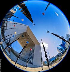 Haute Tension (L'Abominable Homme de Rires) Tags: ladéfense skyscraper immeuble tour architecture paris canon5d 5dmkiii cannon fisheye 815mmfisheyef4 dxo photolab lightroom