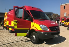 Bedfordshire Fire & Resce Stopsley RSU (slinkierbus268) Tags: bedfordshirefireandrescue bedfordshire fireandrescue stopsley rsu rescue support unit mercedes sprinter dunstable fireappliance firestation